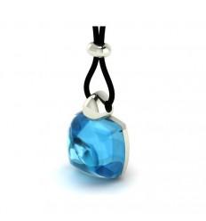 Pendant in 18 carat gold blue quartz rayon thread chain C2380