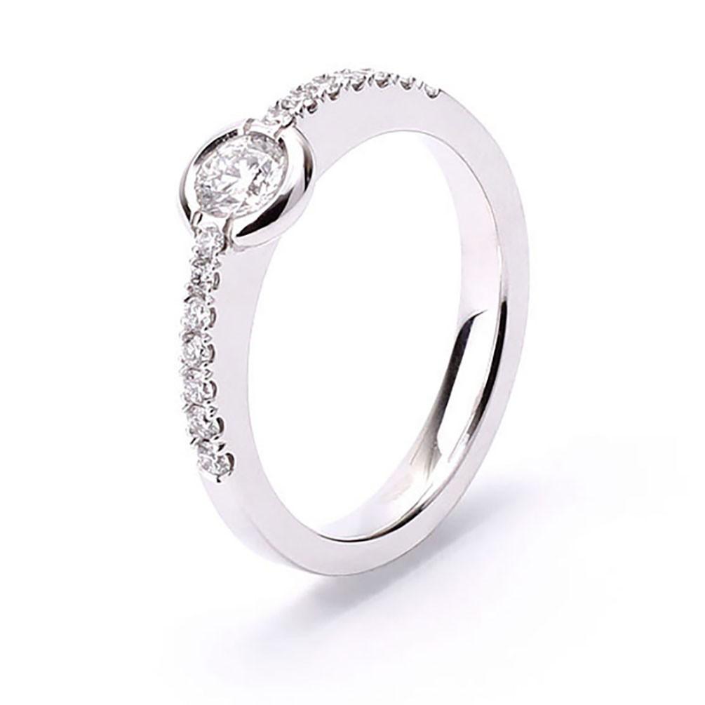 eae2802246e1 Anillo oro blanco compromiso con diamantes talla brillante