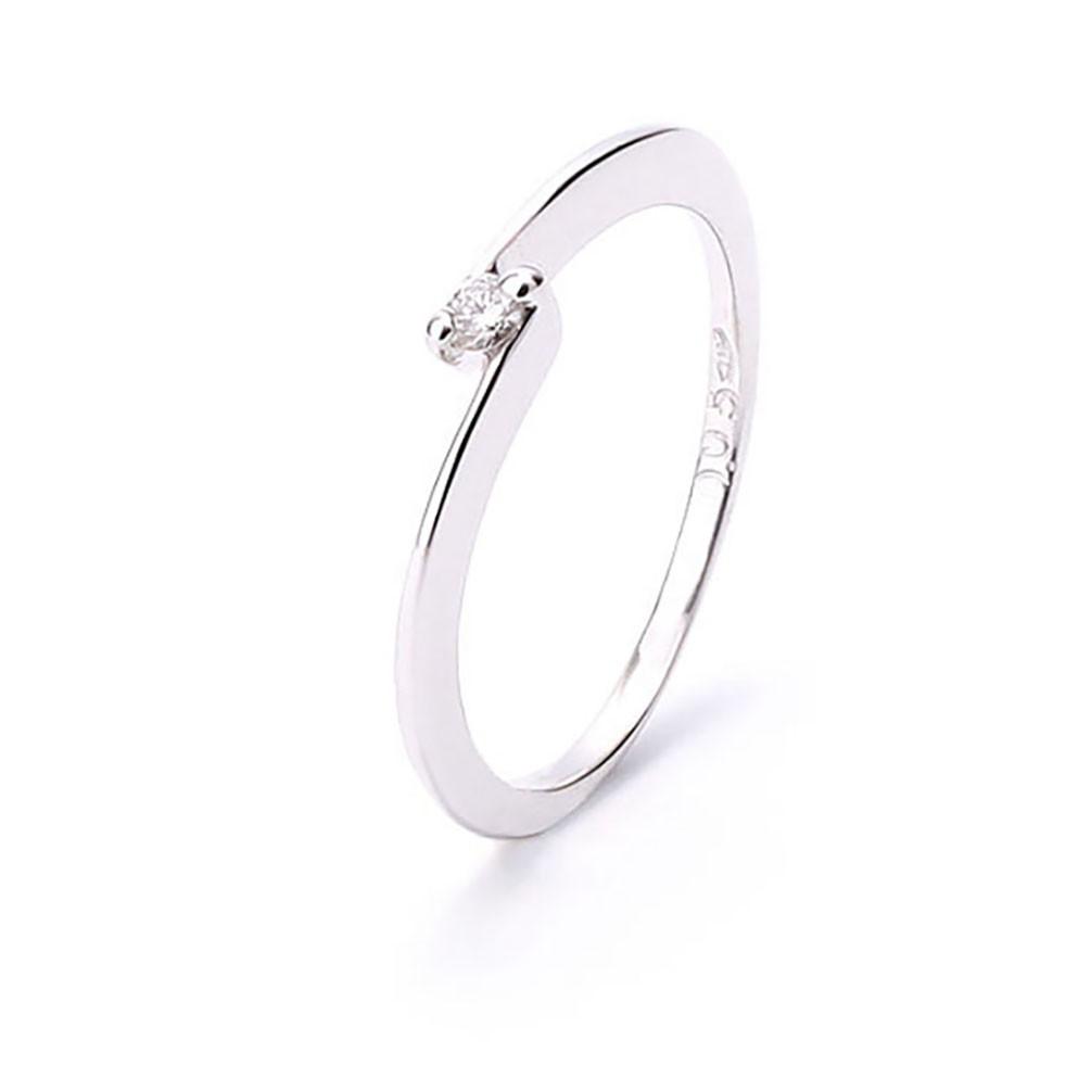 3f6b08e37295 Anillo oro blanco compromiso con diamante de 0.05 quilates