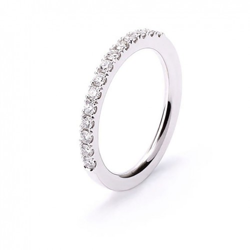 Solitaire ring 18 carat white gold with diamond and satin finish